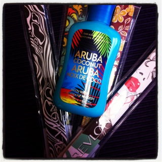 Mall freebies: Bath and Body Works Aruba Coconut Lotion and Revlon Nail Files