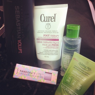 May 2012 GLOSSYBOX Canada Review